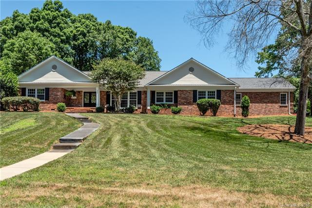 4257 Oldfield Road, Charlotte, NC 28226 (#3516022) :: High Performance Real Estate Advisors