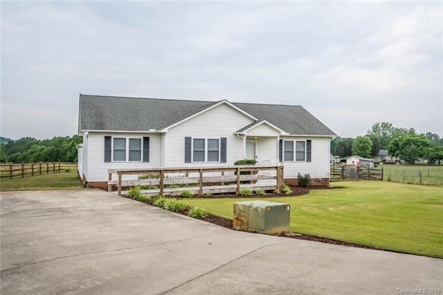 160 Hilltop Lane, Mooresville, NC 28115 (#3516323) :: LePage Johnson Realty Group, LLC