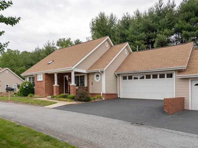 1056 Saddlebrook Drive, Hendersonville, NC 28739 (#3516530) :: Besecker Homes Team