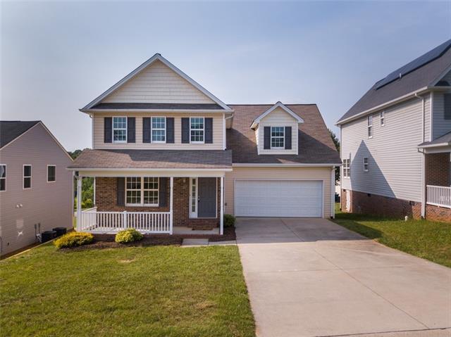 207 19th Avenue SE, Hickory, NC 28602 (#3516665) :: LePage Johnson Realty Group, LLC