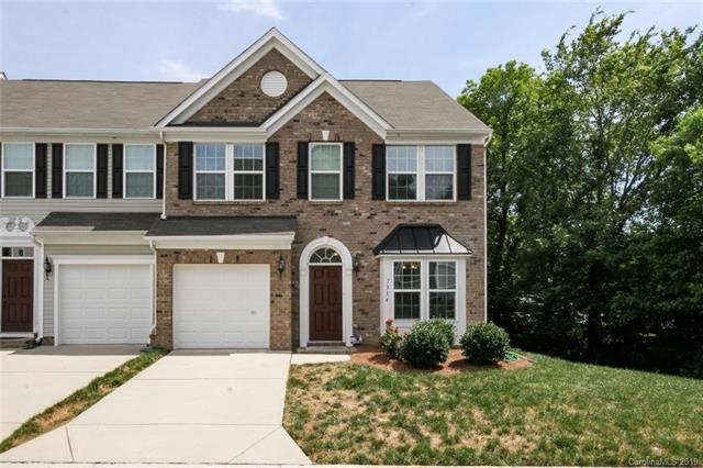 7334 Gallery Pointe Lane, Charlotte, NC 28269 (#3516699) :: Odell Realty