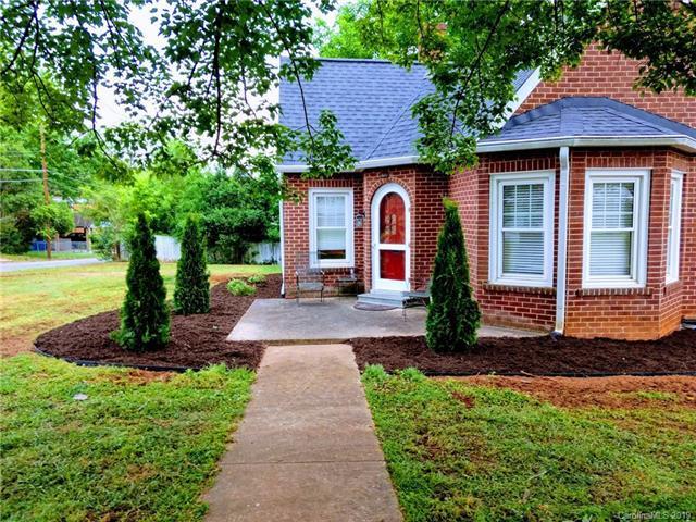 157 Center Street, Spindale, NC 28160 (#3516749) :: Washburn Real Estate