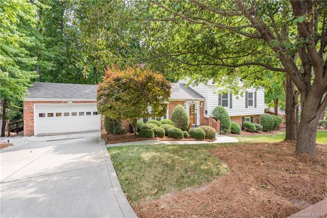 3335 Knob Hill Court, Charlotte, NC 28210 (#3516795) :: LePage Johnson Realty Group, LLC