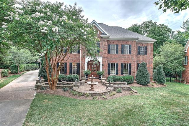 8820 Rosslare Villas Court, Charlotte, NC 28226 (#3516796) :: Keller Williams South Park