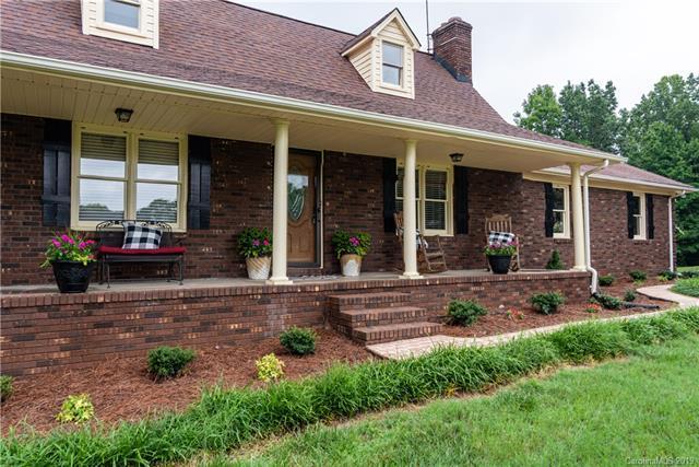 1478 Millbrook Lane, Lincolnton, NC 28092 (#3516849) :: LePage Johnson Realty Group, LLC