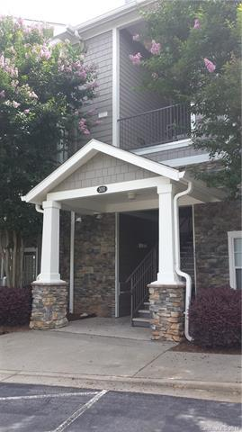300 Vista Lake Drive #308, Candler, NC 28715 (#3516965) :: Charlotte Home Experts