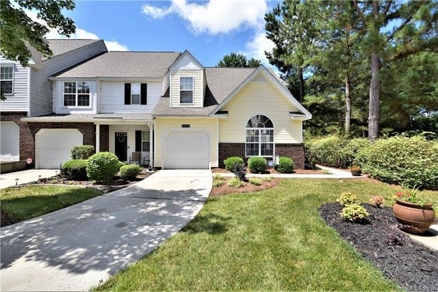 8343 Christmas Court, Charlotte, NC 28216 (#3517096) :: The Andy Bovender Team