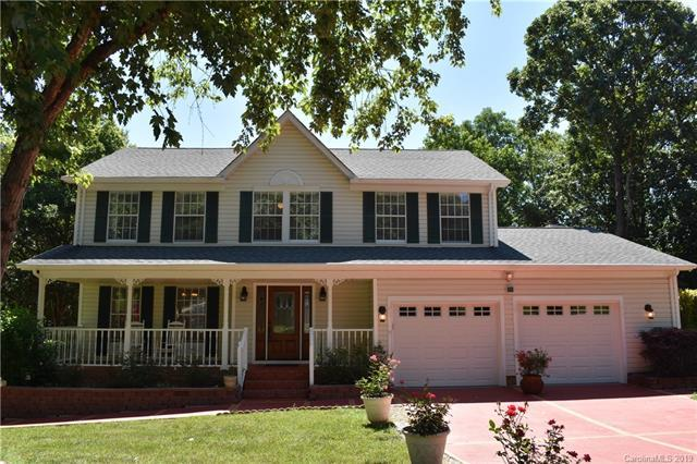 10716 Roxbury Court, Charlotte, NC 28214 (#3517245) :: Charlotte Home Experts