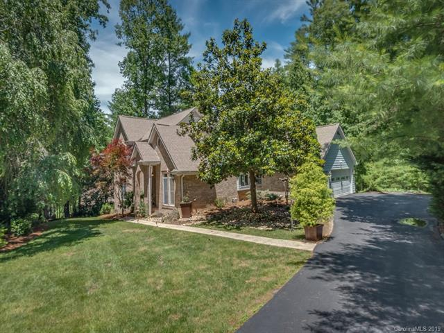 22 Oak Gate Drive, Hendersonville, NC 28739 (#3517280) :: Keller Williams Professionals