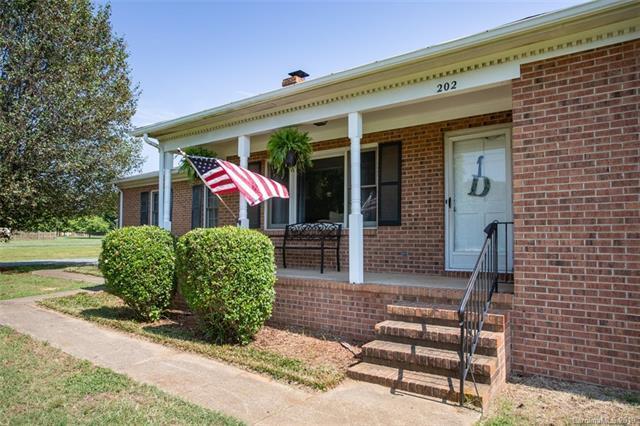 202 Division Avenue, Rockwell, NC 28138 (#3517386) :: Rinehart Realty