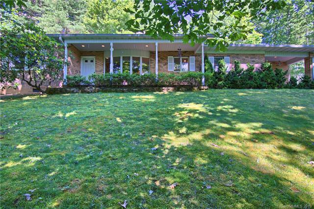 104 Wolf Shoals Drive, Hendersonville, NC 28739 (#3517458) :: High Performance Real Estate Advisors
