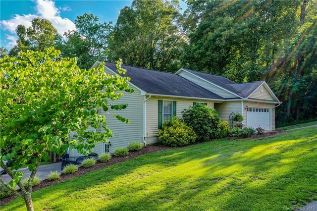 26 Quiet Woods Drive, Leicester, NC 28748 (#3517659) :: Team Honeycutt