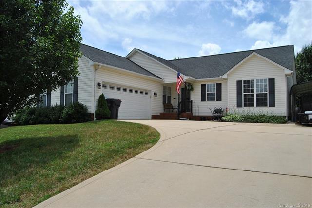 824 Carole Summey Drive, Dallas, NC 28034 (#3517723) :: The Elite Group