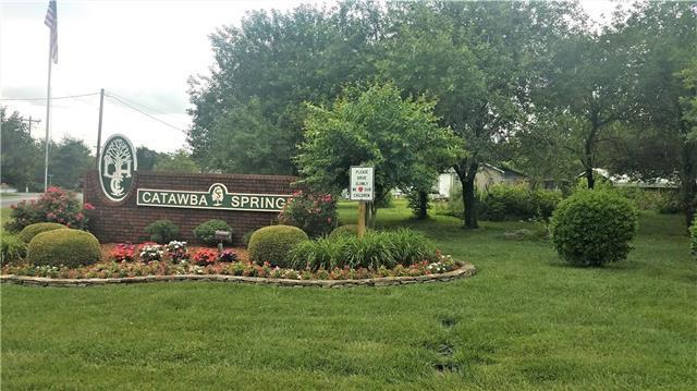 5118 Woodwinds Drive NE, Hickory, NC 28601 (#3517808) :: Carlyle Properties