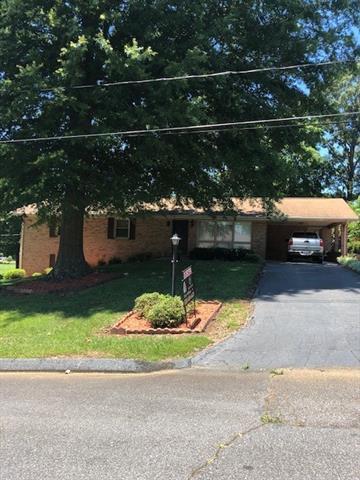 605 25th Street NW, Hickory, NC 28601 (#3517950) :: Rinehart Realty