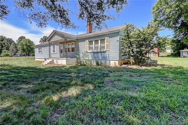6514 Dallas Cherryville Highway, Bessemer City, NC 28016 (#3517984) :: Rinehart Realty