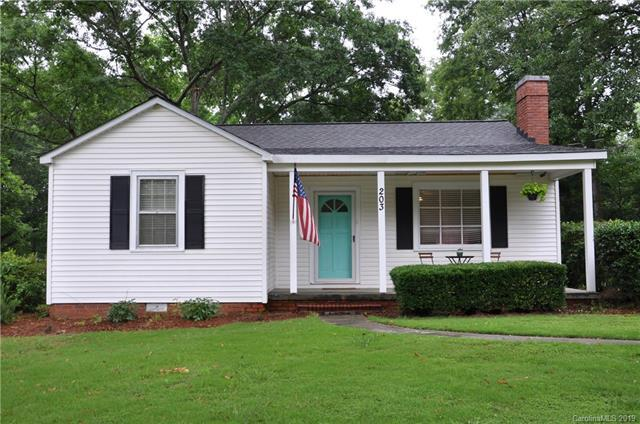 203 Fairfield Street, Lancaster, SC 29720 (#3518520) :: Puma & Associates Realty Inc.
