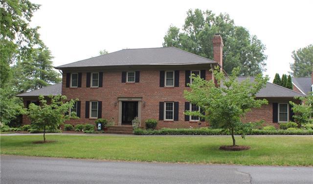 1486 6th Street Circle NW, Hickory, NC 28601 (#3518550) :: Rinehart Realty
