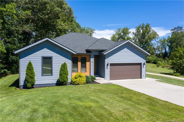 61 Bradshaw Lane, Candler, NC 28715 (#3518569) :: Francis Real Estate