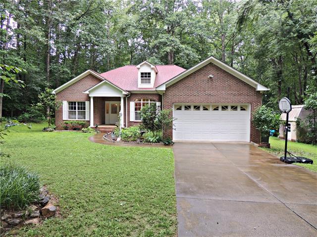 1241 36th Ave Drive NE, Hickory, NC 28601 (#3518873) :: High Performance Real Estate Advisors