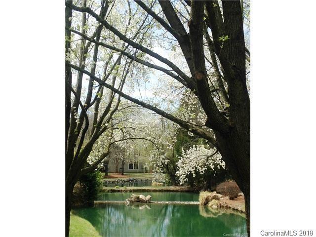 2522 Stradbrook Drive C, Charlotte, NC 28210 (#3518927) :: Cloninger Properties
