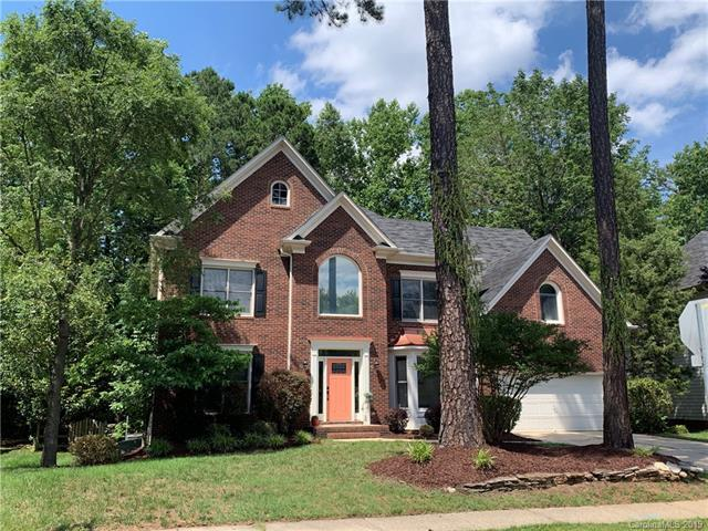6203 Bells Mill Drive, Charlotte, NC 28269 (#3519052) :: Roby Realty