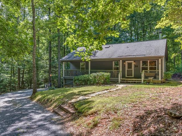 77 Bear Track Lane, Saluda, NC 28773 (#3519118) :: High Performance Real Estate Advisors