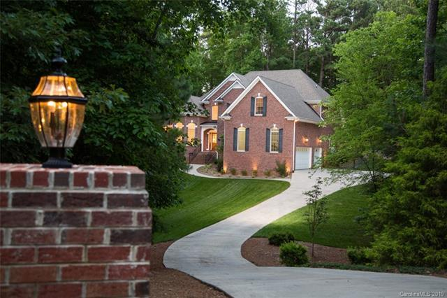 8868 Bluestone Bay Court, Sherrills Ford, NC 28673 (#3519126) :: Rinehart Realty