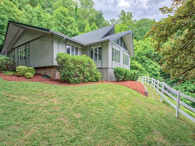 560 Winchester Creek Road, Waynesville, NC 28786 (#3519237) :: High Performance Real Estate Advisors