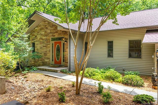 904 Tsisqua Circle, Brevard, NC 28712 (#3519251) :: LePage Johnson Realty Group, LLC