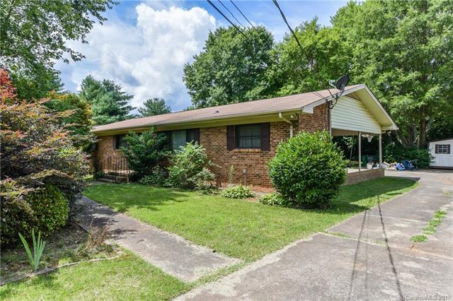 5825 Kinghurst Drive, Charlotte, NC 28227 (#3519348) :: Mossy Oak Properties Land and Luxury
