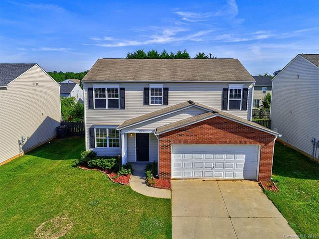 8144 Rosberg Lane, Charlotte, NC 28216 (#3519510) :: Washburn Real Estate