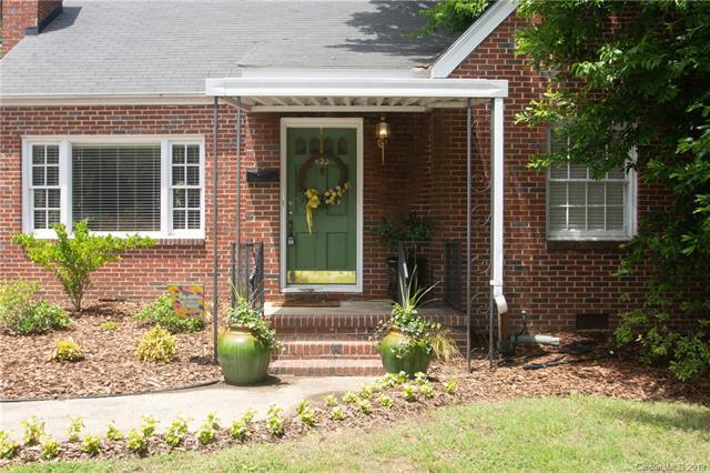 433 W Radiance Drive, Greensboro, NC 27403 (#3519540) :: Charlotte Home Experts