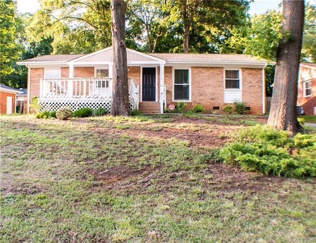 1009 Dunleigh Drive, Charlotte, NC 28214 (#3519554) :: Francis Real Estate
