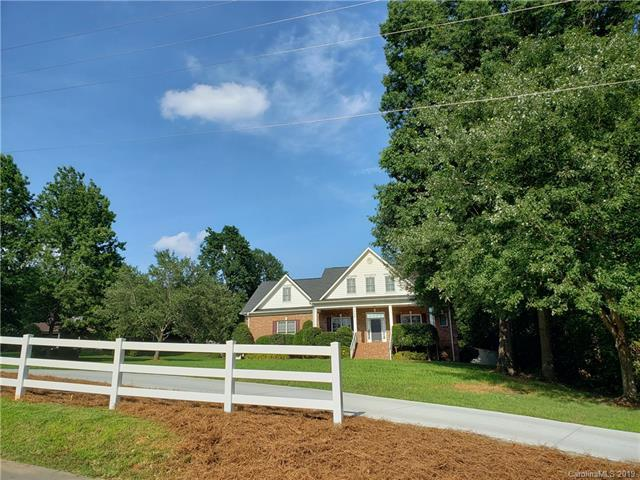 328 Whippoorwill Road, Mooresville, NC 28117 (#3519557) :: The Sarver Group