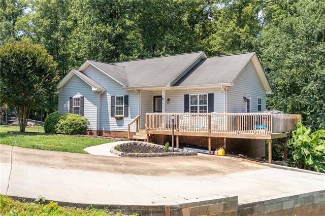 1510 Carlin Drive, Conover, NC 28613 (#3519615) :: High Performance Real Estate Advisors