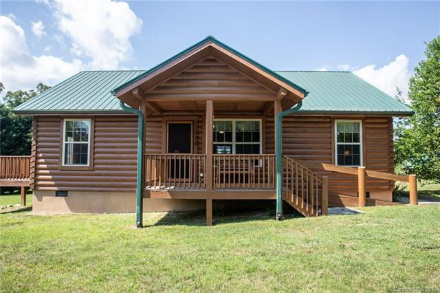 520 Owensby Road, Hendersonville, NC 28792 (#3519757) :: Scarlett Real Estate
