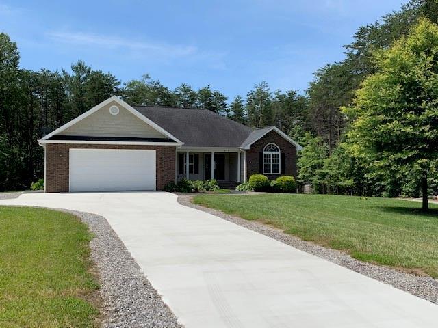 673 Cornerstone Drive, Taylorsville, NC 28681 (#3519974) :: Rinehart Realty