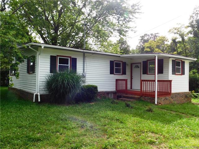 1003 John Delk Road, Hendersonville, NC 28792 (#3520098) :: Bluaxis Realty