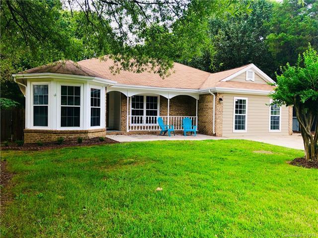 8913 Vicksburg Road, Charlotte, NC 28227 (#3520270) :: Mossy Oak Properties Land and Luxury