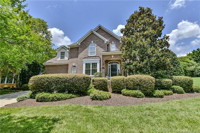 3618 Abbey Hill Lane, Charlotte, NC 28210 (#3520278) :: The Ramsey Group