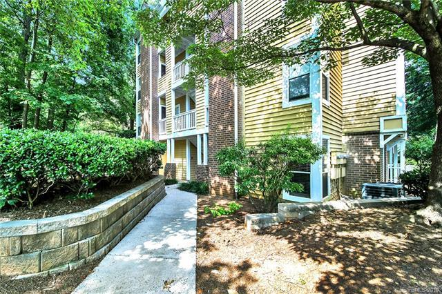 2518 Cranbrook Lane #19, Charlotte, NC 28207 (#3520316) :: Charlotte Home Experts