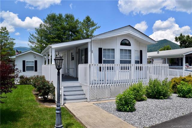 26 Strollers Lane, Waynesville, NC 28785 (#3520324) :: Carlyle Properties