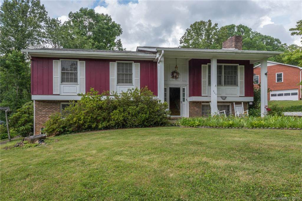 800 Laurel Avenue, Black Mountain, NC 28711 (#3520445) :: LePage Johnson Realty Group, LLC