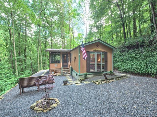 228 Mountain Laurel Road, Maggie Valley, NC 28751 (#3520452) :: LePage Johnson Realty Group, LLC