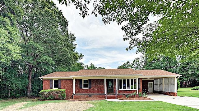 4040 Sandlewood Lane, Concord, NC 28025 (#3520481) :: LePage Johnson Realty Group, LLC