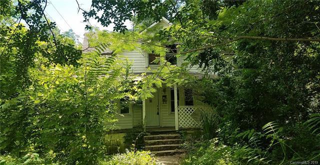 895 N Trade Street, Tryon, NC 28782 (#3520490) :: Washburn Real Estate