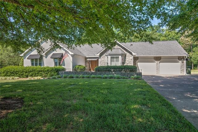 4725 Brookridge Drive NE, Hickory, NC 28601 (#3520515) :: High Performance Real Estate Advisors