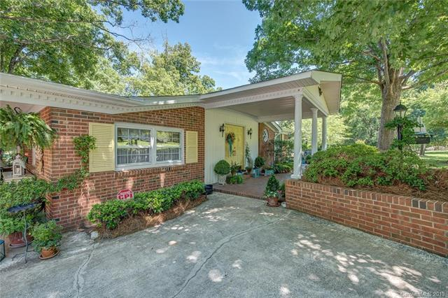 11501 Lands End Road, Charlotte, NC 28278 (#3520532) :: Rowena Patton's All-Star Powerhouse