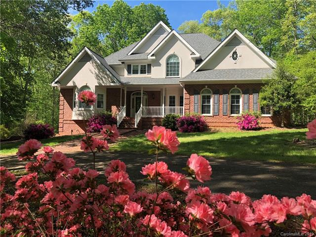 9200 Center Grove Church Road, Clemmons, NC 27012 (#3520583) :: Homes Charlotte